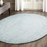 Can you use round rugs under tables?
