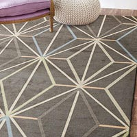 What are the benefits of having a large rug?